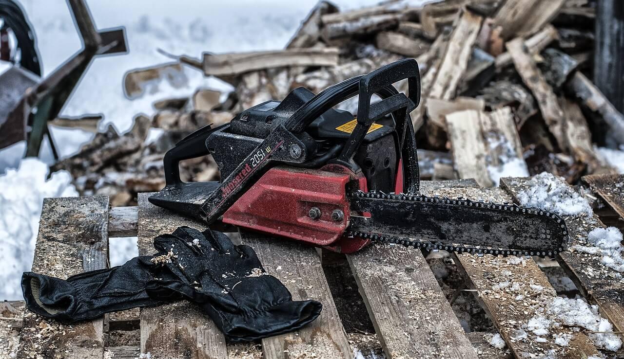 kettensäge - brennholz für den winter machen - tipps für alle